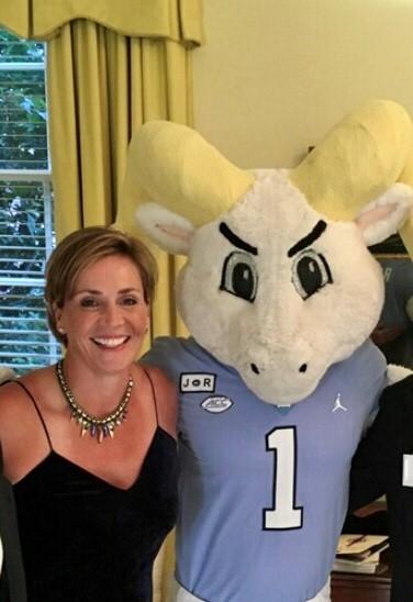 Jane Ellison with a Rameses mascot.
